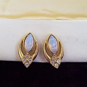 Women's Avon Faux Opal Clip On Earrings